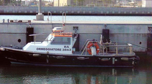 Ormeggiatore 06: servizio speciale di ormeggio e navigazione nazionale litoranea